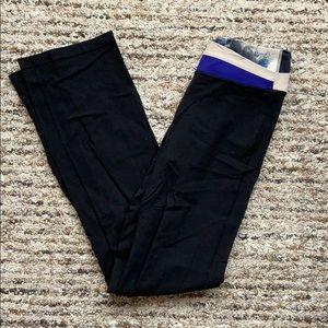 Lululemon Original Yoga Pants, Size 8